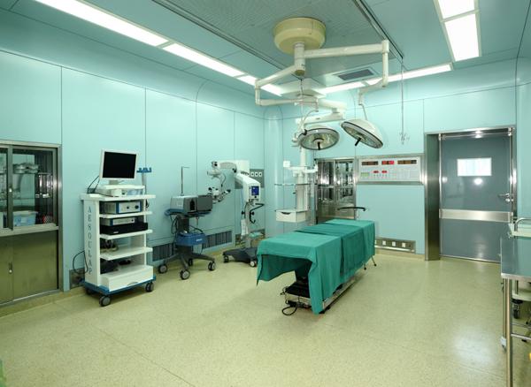 无锡市金瞳眼科医院使用景泰源LED洁净灯具